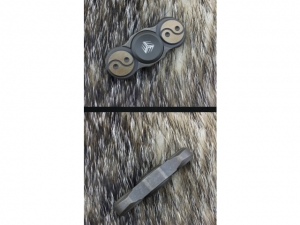 We Knife Premium Finger Spinner (Grey ..